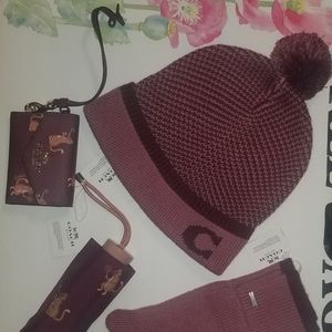 Hat gloves small wallet and umbrella set